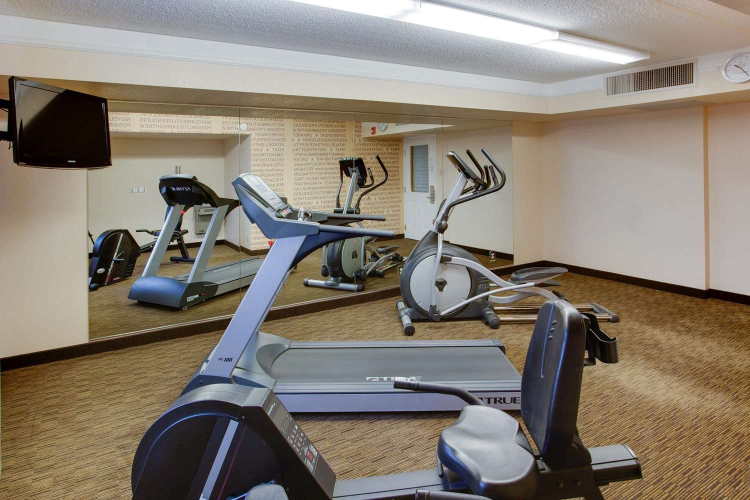 Fitness/ Exercise Room - La Quinta Inn Pittsburgh Airport Moon Township