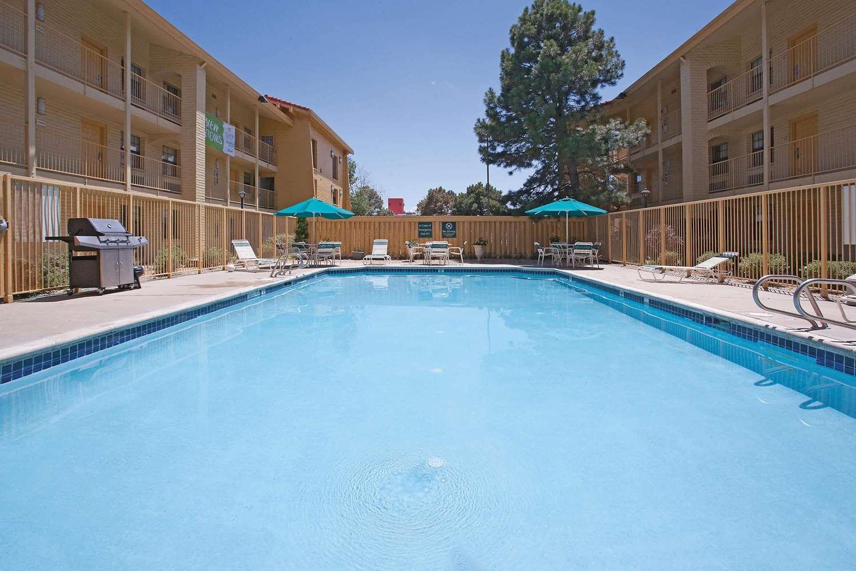 Pool - La Quinta Inn Golden
