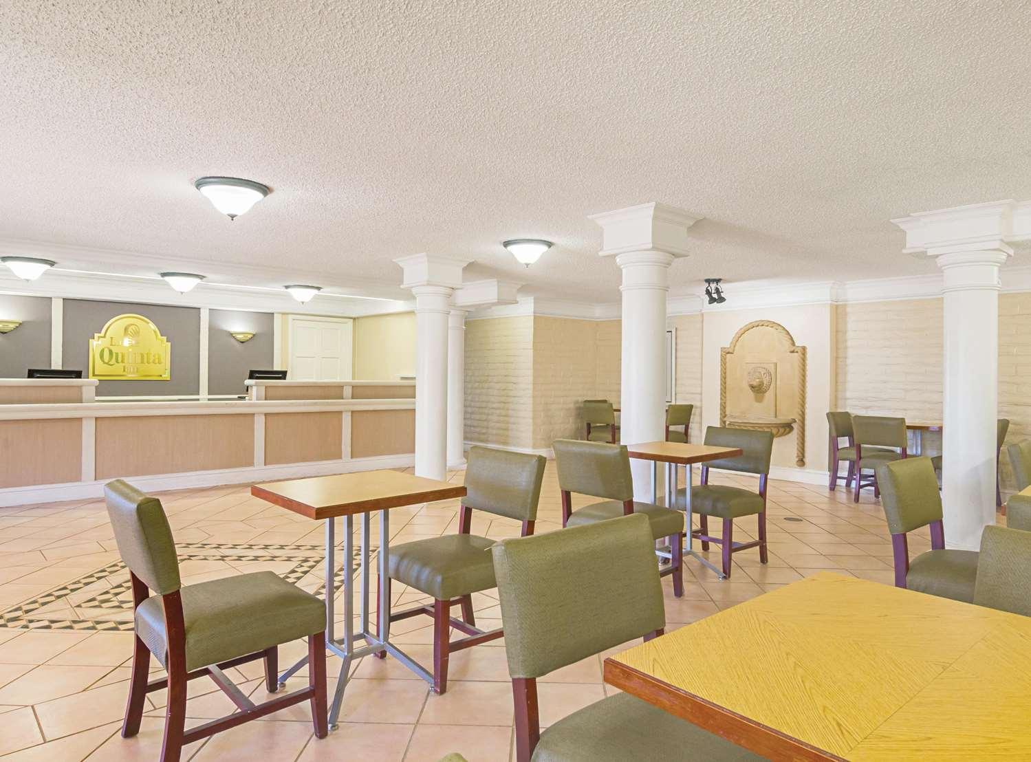 Lobby - La Quinta Inn Northglenn Westminster