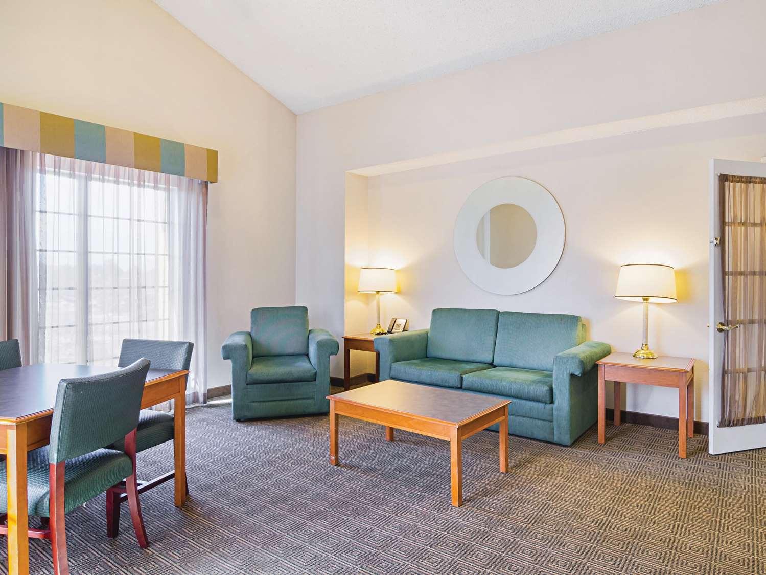 Suite - La Quinta Inn Northglenn Westminster