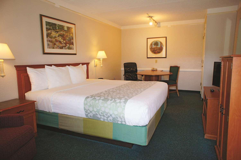 Room - La Quinta Inn Bakersfield