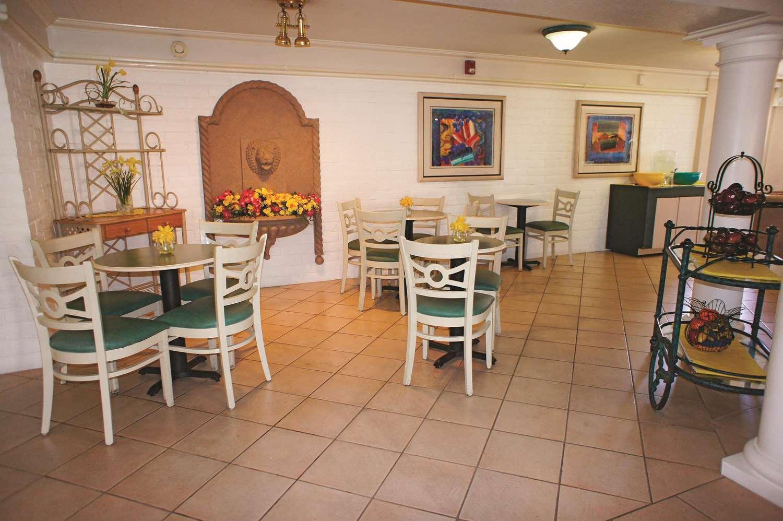 proam - La Quinta Inn Bakersfield