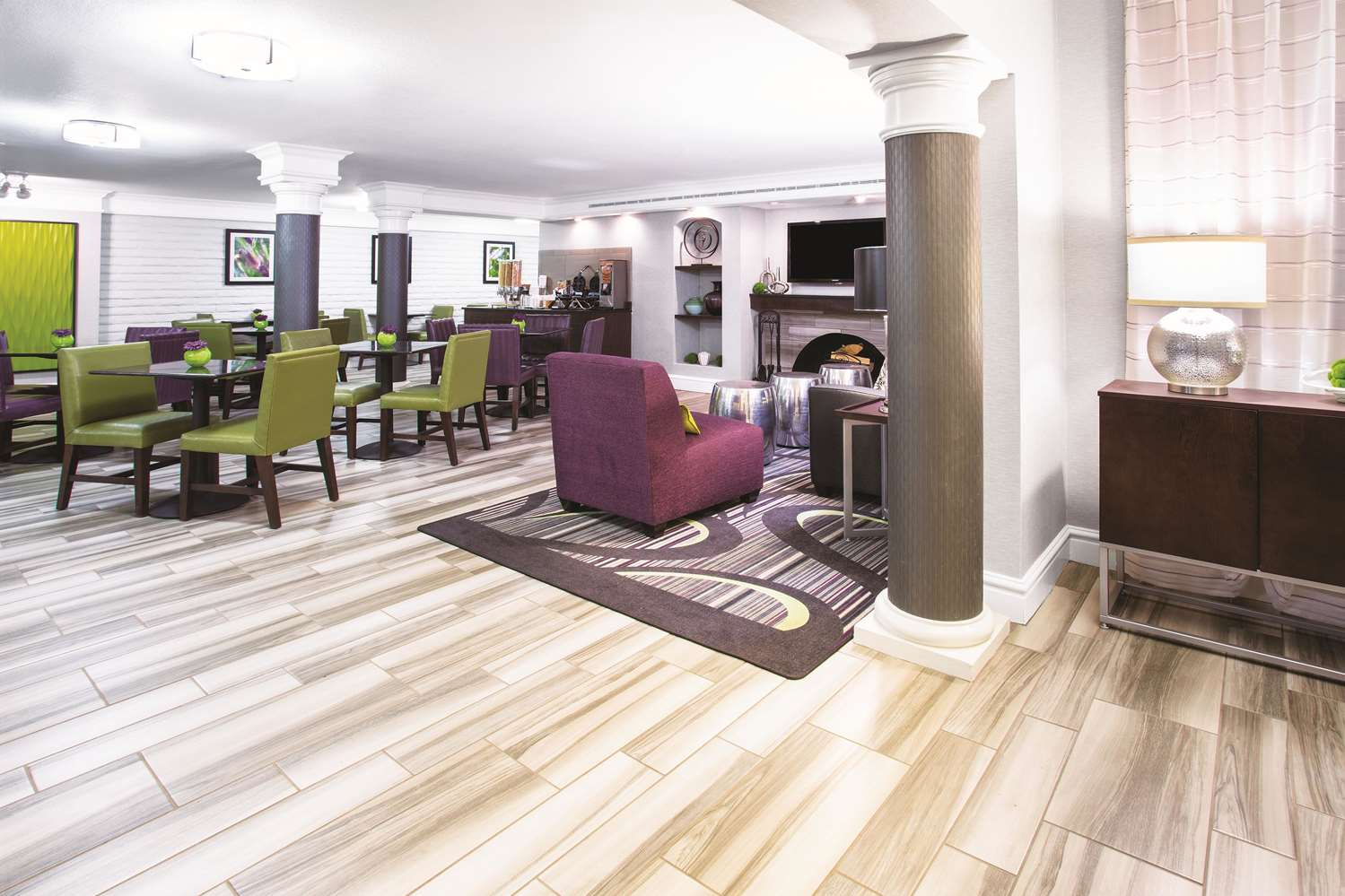 Lobby - La Quinta Inn Mall Westminster