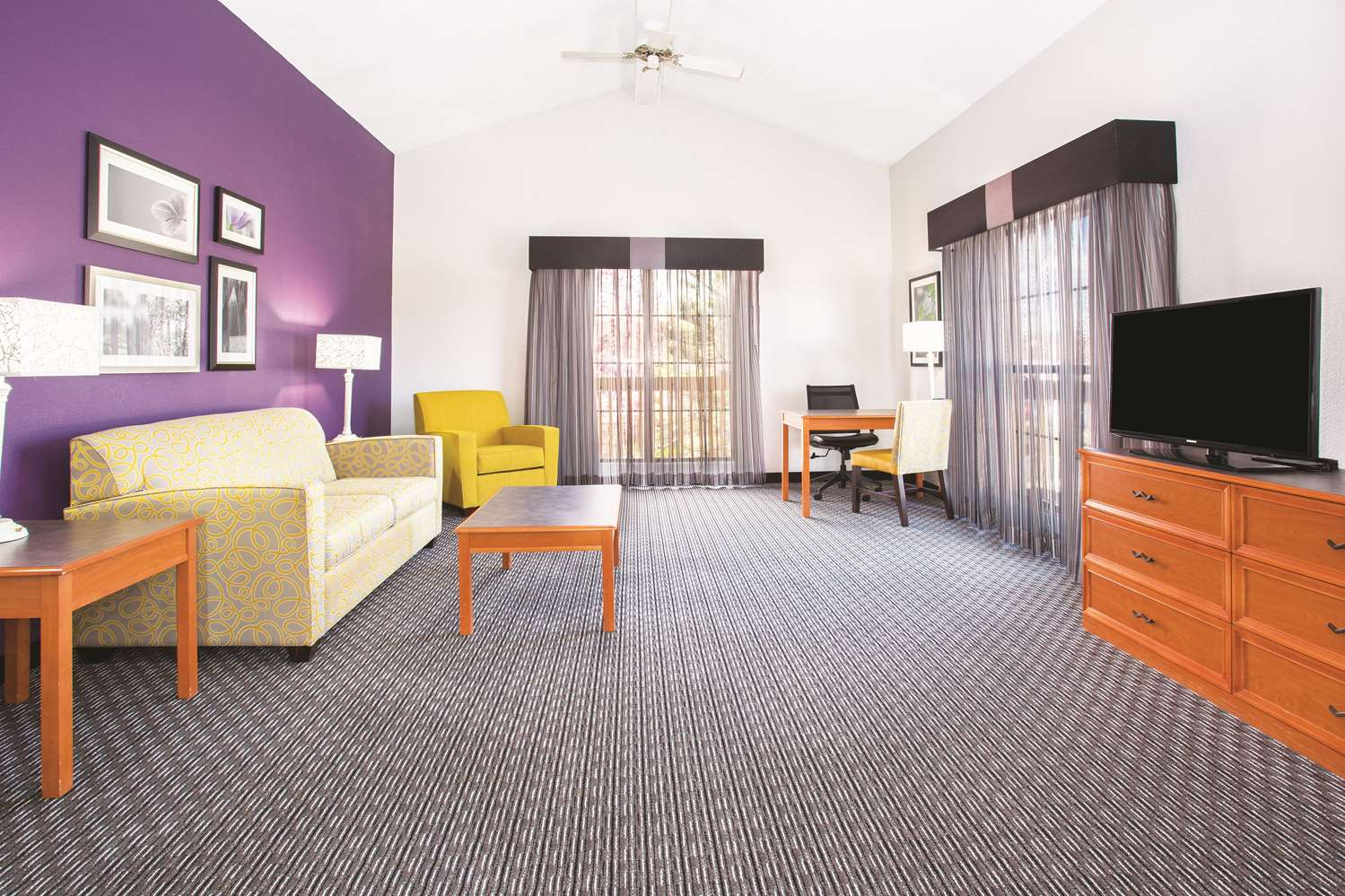 Suite - La Quinta Inn Mall Westminster