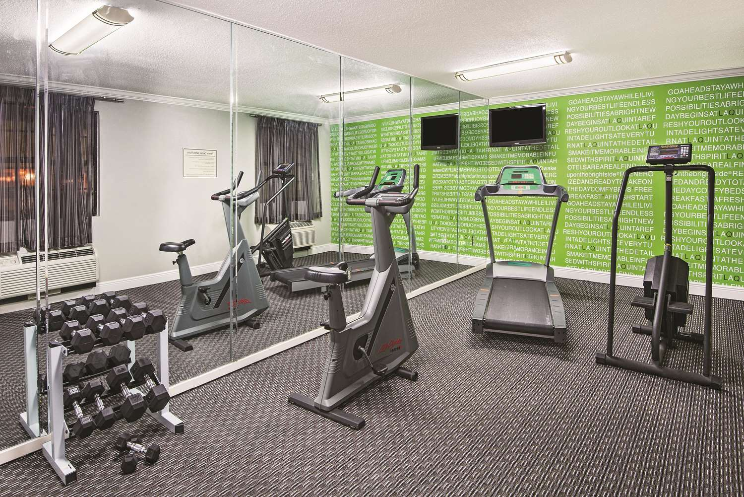 Fitness/ Exercise Room - La Quinta Inn North The Woodlands