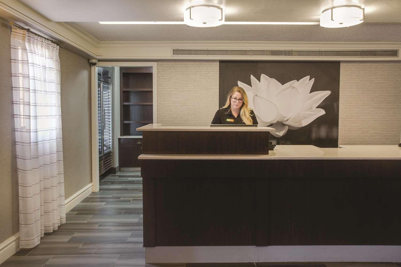 Lobby - La Quinta Inn Ventura