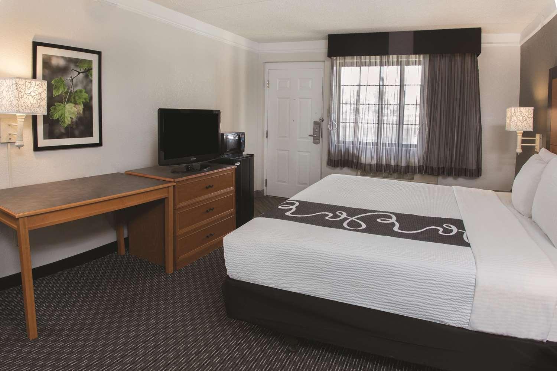 Room - La Quinta Inn Ventura