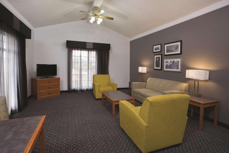 Suite - La Quinta Inn Ventura
