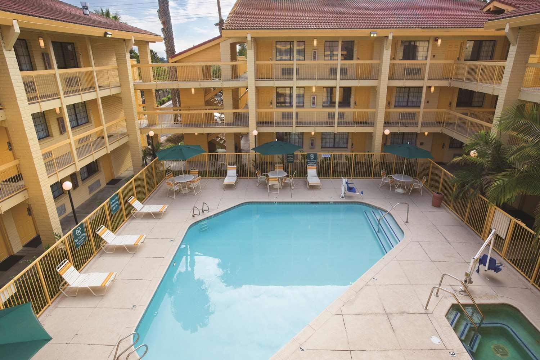 Pool - La Quinta Inn Ventura