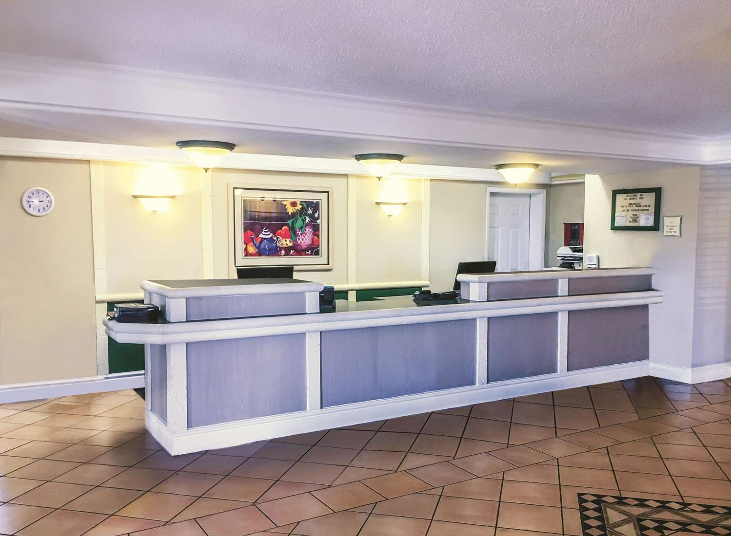 Lobby - La Quinta Inn Airport Moline