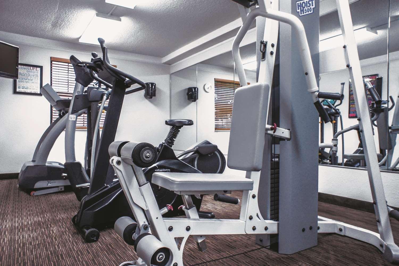 Fitness/ Exercise Room - La Quinta Inn Airport Moline