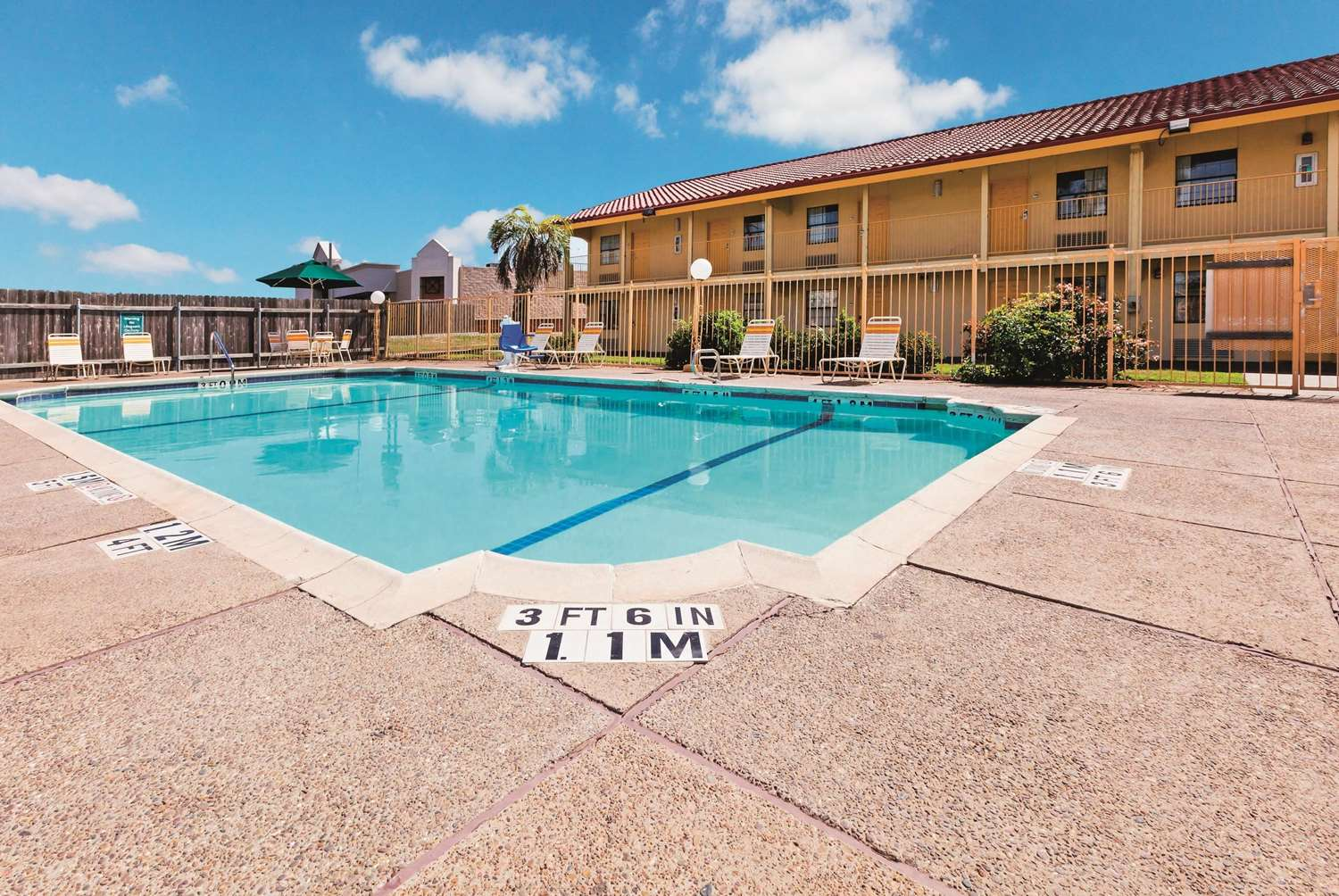 Pool - La Quinta Inn North Corpus Christi