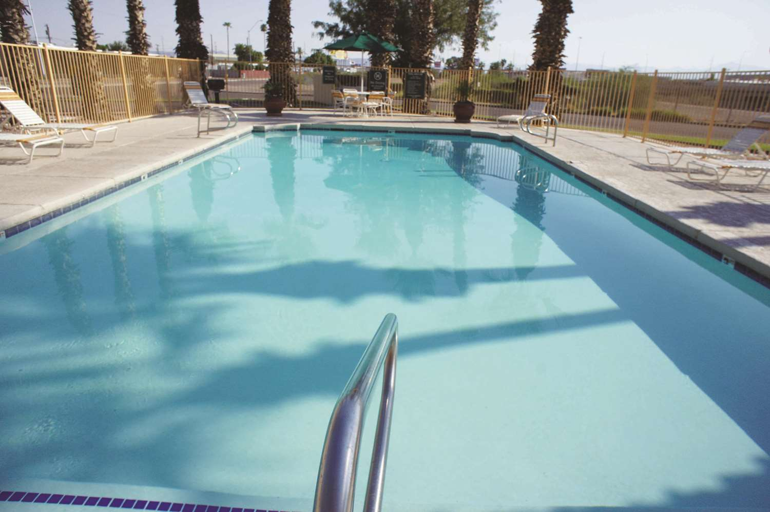 Pool - La Quinta Inn at Thomas Road Phoenix