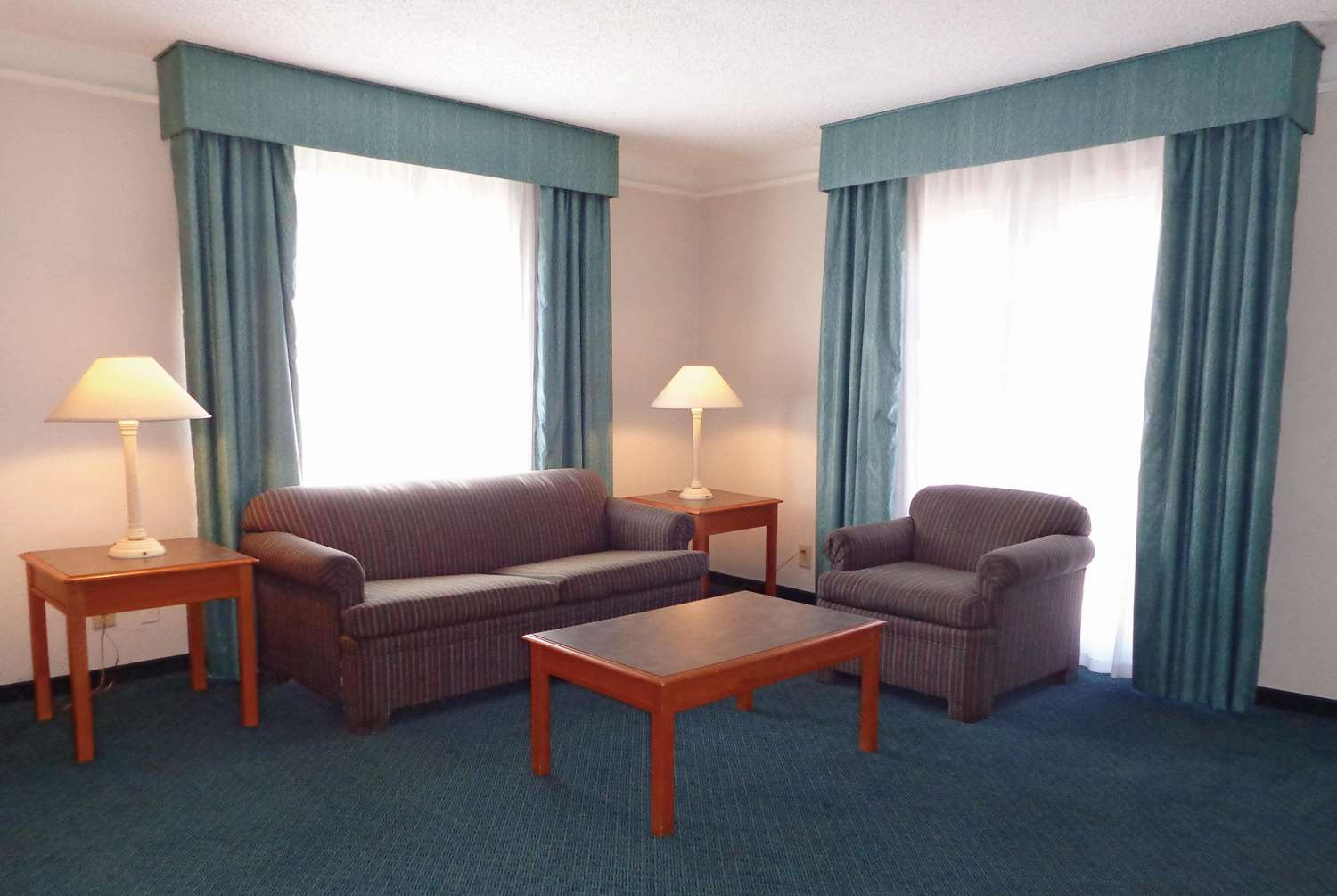 Suite - La Quinta Inn at Thomas Road Phoenix