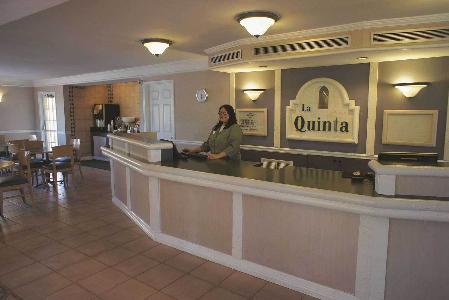 Lobby - La Quinta Inn at Thomas Road Phoenix
