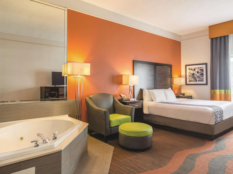 Suite - La Quinta Inn & Suites Prattville