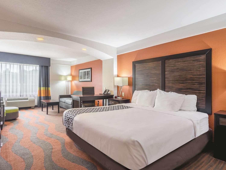 Room - La Quinta Inn & Suites Prattville