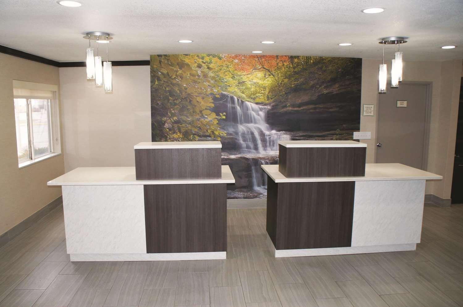 Lobby - La Quinta Inn Peru