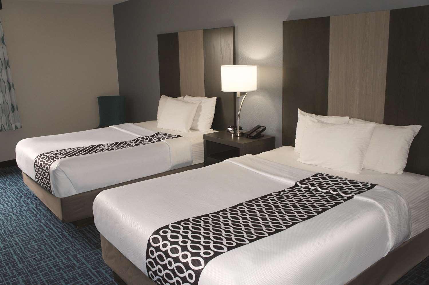Room - La Quinta Inn Peru