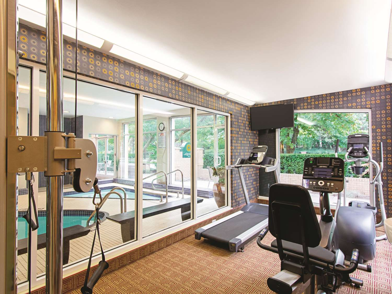Fitness/ Exercise Room - La Quinta Inn Airport Vancouver Richmond