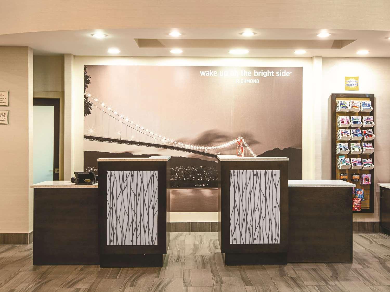 Lobby - La Quinta Inn Airport Vancouver Richmond