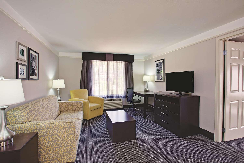 Suite - La Quinta Inn & Suites Stevenson Ranch