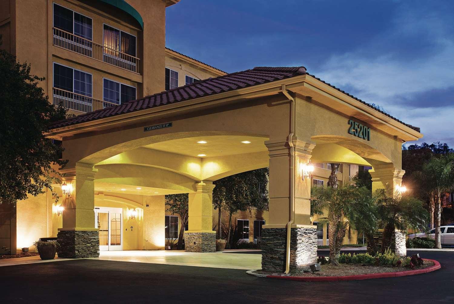 Exterior view - La Quinta Inn & Suites Stevenson Ranch