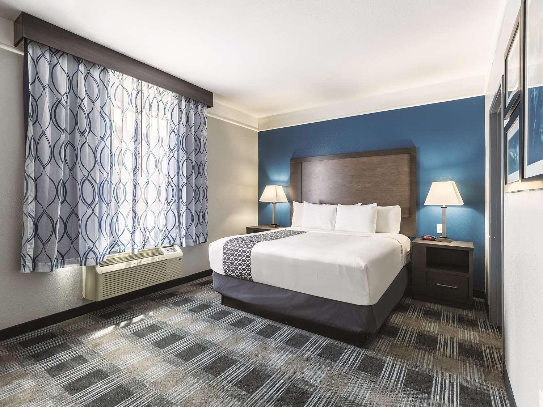 Suite - La Quinta Inn & Suites Webster