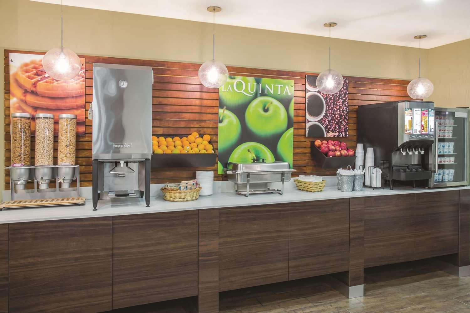 proam - La Quinta Inn & Suites Daytona Beach