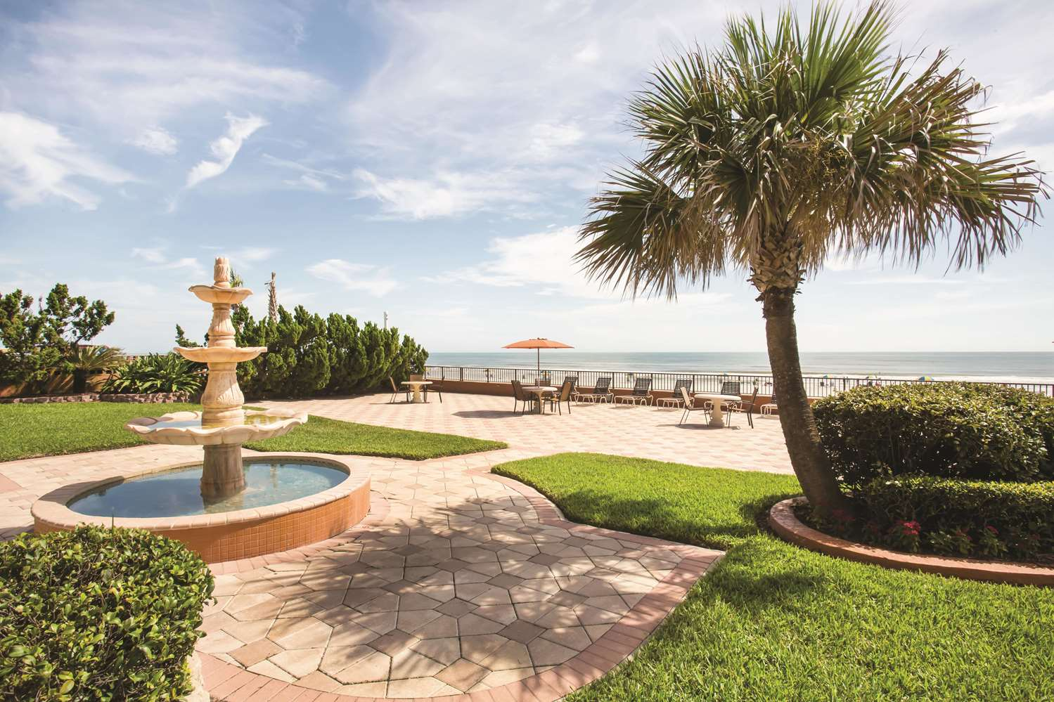 Exterior view - La Quinta Inn & Suites Daytona Beach