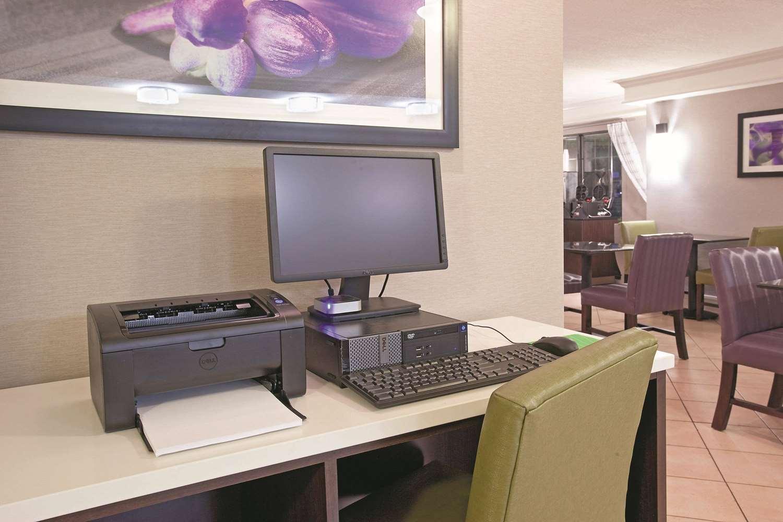 Conference Area - La Quinta Inn Midvale