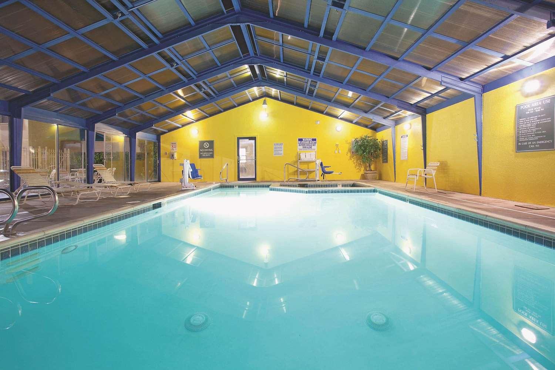 Pool - La Quinta Inn Midvale