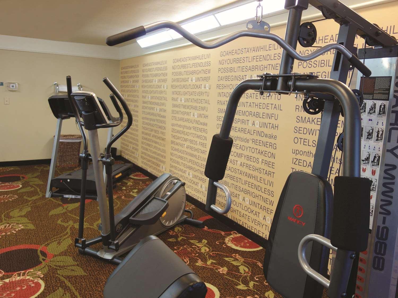 Fitness/ Exercise Room - La Quinta Inn & Suites Seguin