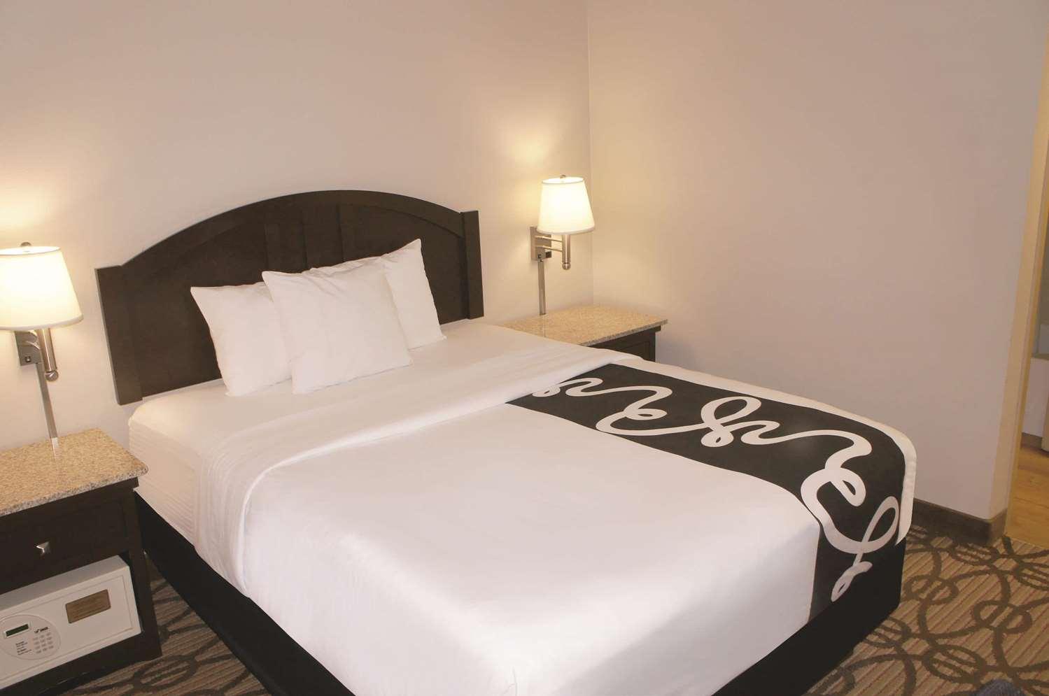 Room - La Quinta Inn Southwest Springfield