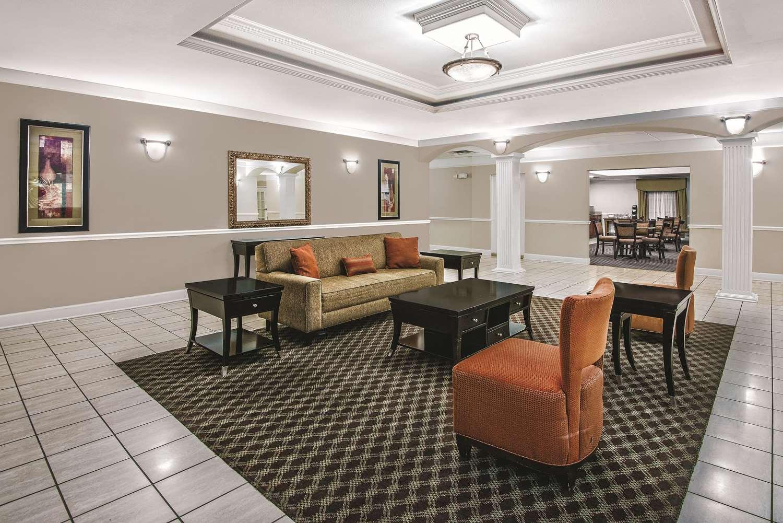 Lobby - La Quinta Inn & Suites Stephenville