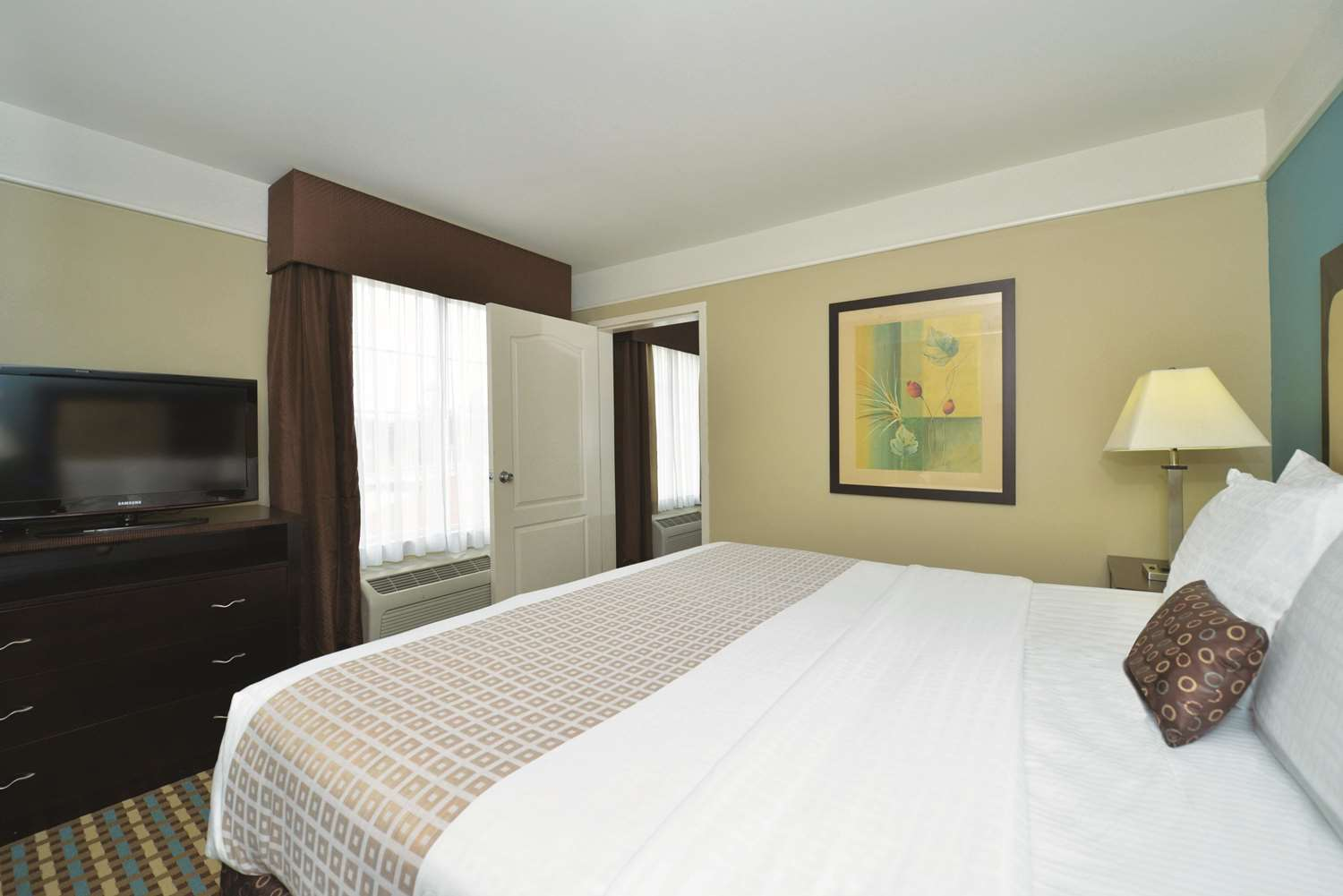 Suite - La Quinta Inn & Suites Pooler