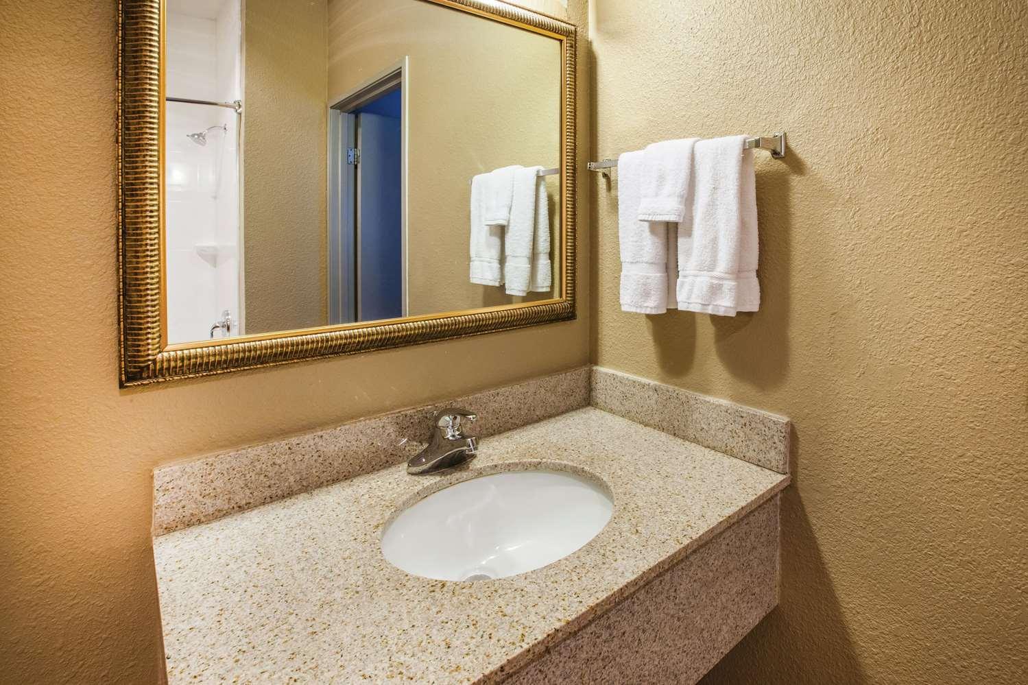 Room - La Quinta Inn North Indianapolis