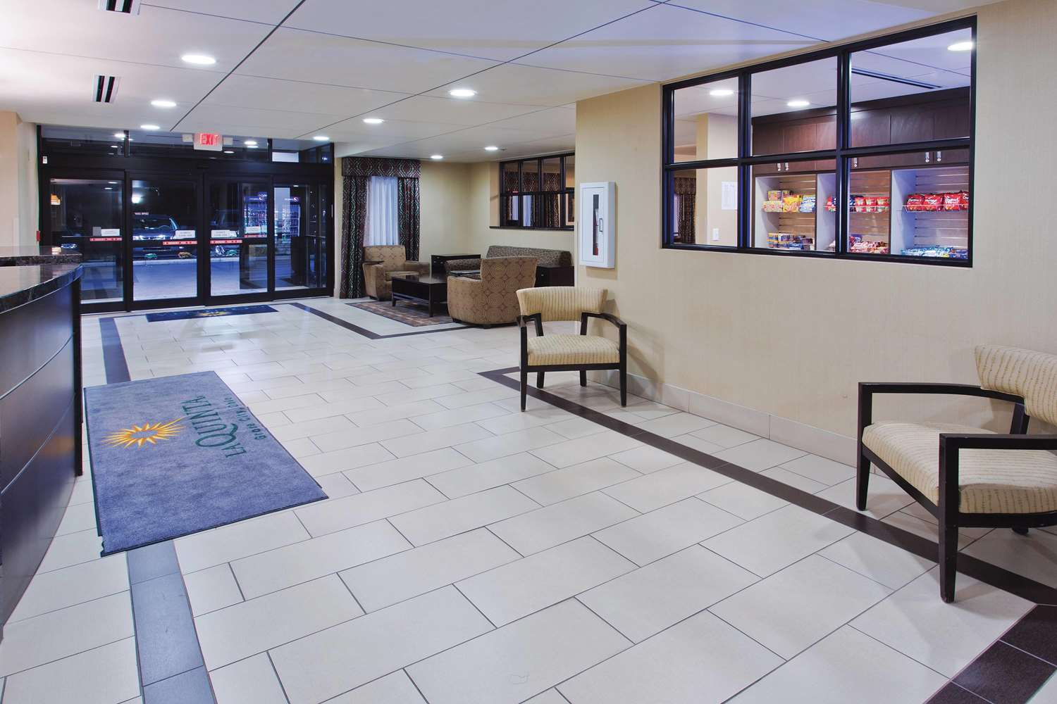 Lobby - La Quinta Inn Grove City