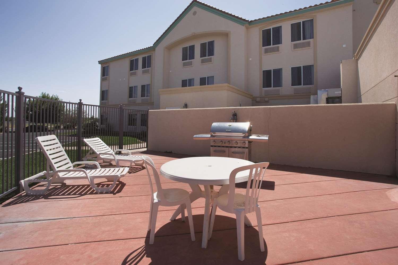Exterior view - La Quinta Inn & Suites Roswell