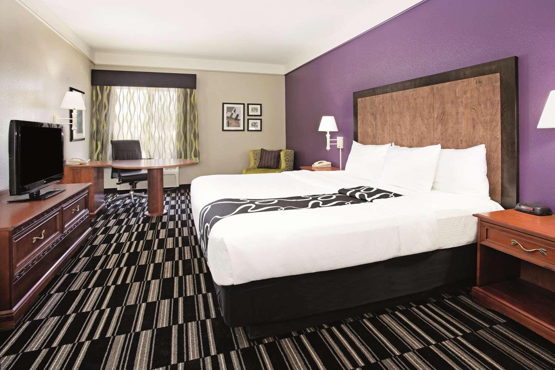 Room - La Quinta Inn & Suites Roswell