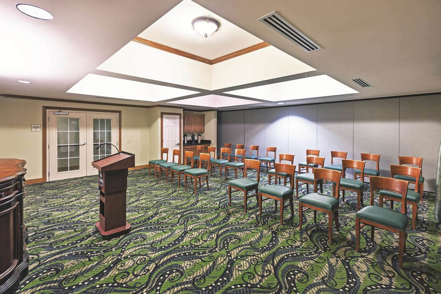 Meeting Facilities - La Quinta Inn & Suites Shawnee