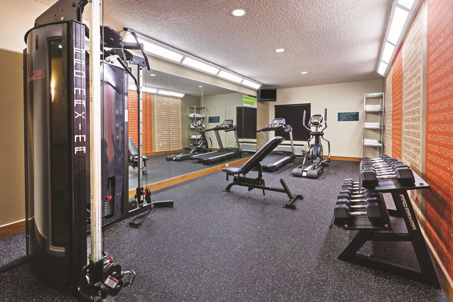 Fitness/ Exercise Room - La Quinta Inn & Suites Shawnee