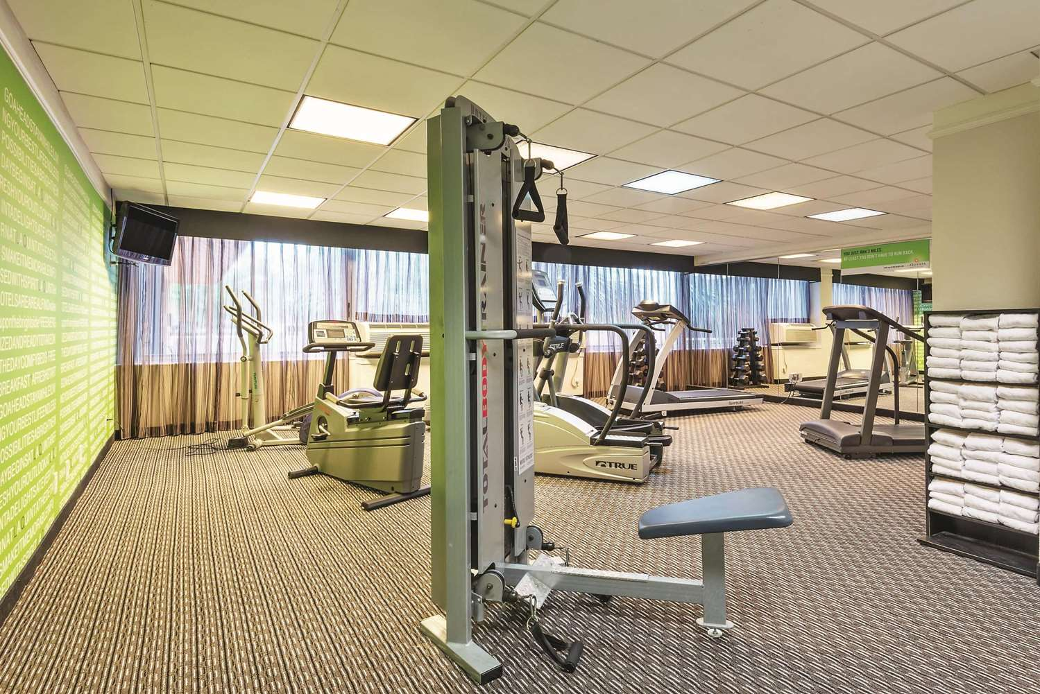 Fitness/ Exercise Room - La Quinta Inn & Suites New Orleans Airport Kenner