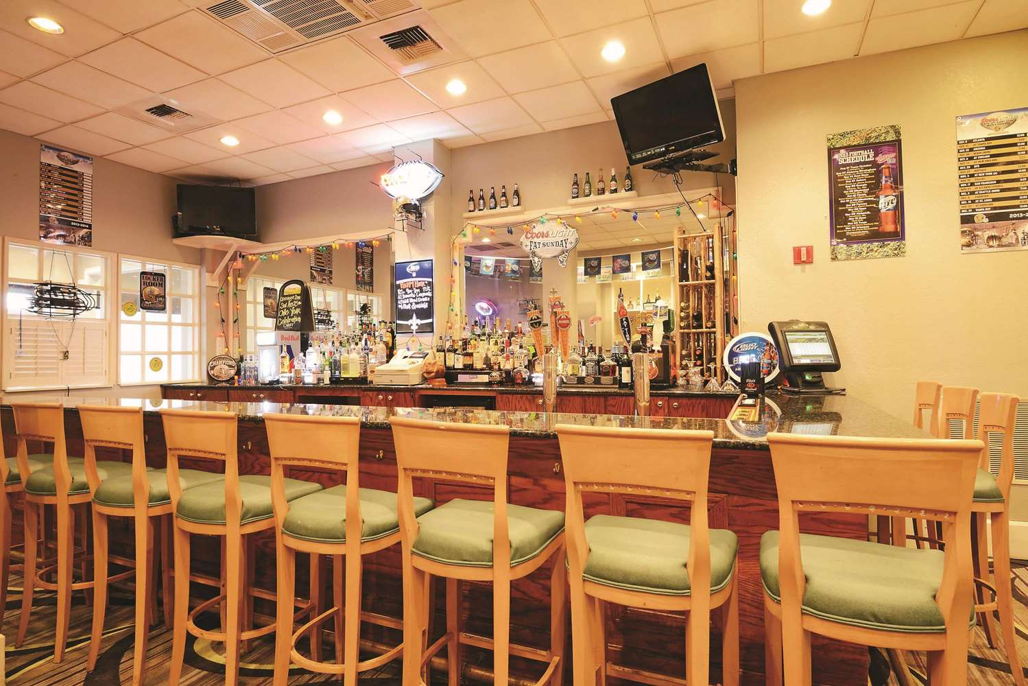 Bar - La Quinta Inn & Suites New Orleans Airport Kenner