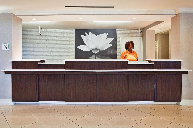 Lobby - La Quinta Inn & Suites Macon