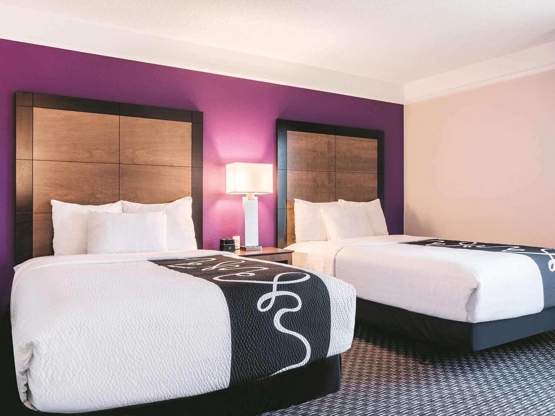 Room - La Quinta Inn & Suites Airport Shreveport