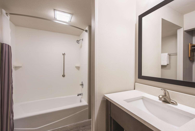 Room - La Quinta Inn & Suites West Mesa