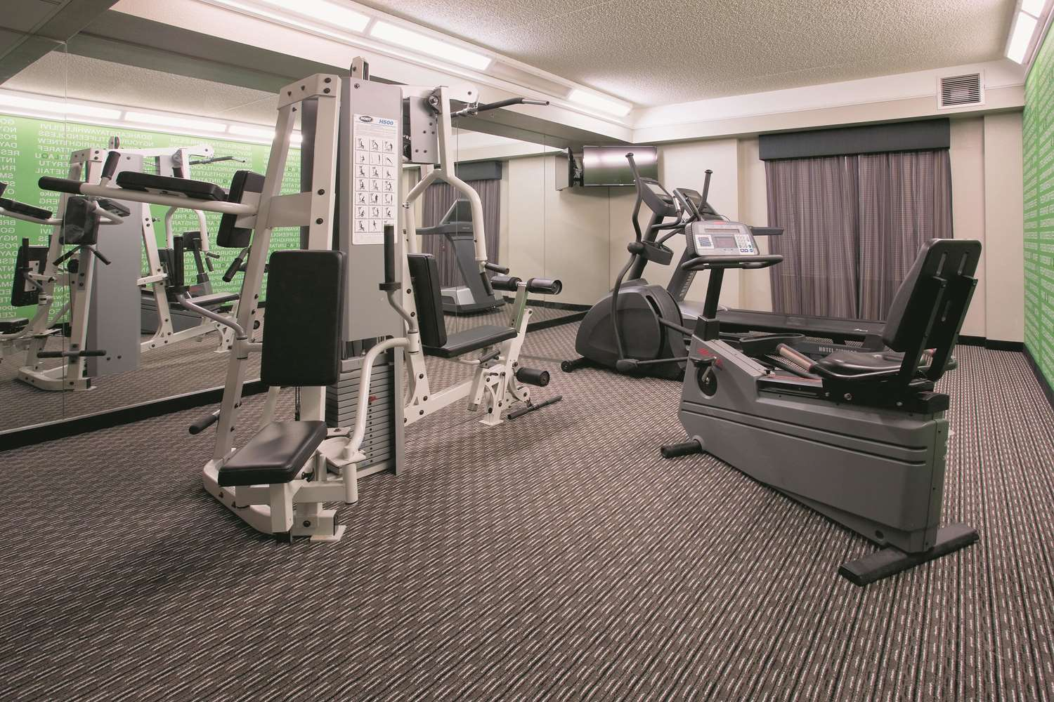 Fitness/ Exercise Room - La Quinta Inn & Suites East Mesa