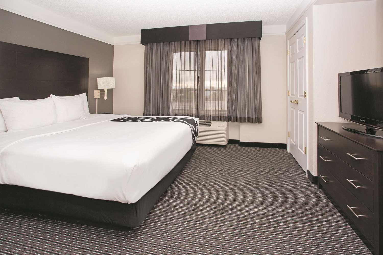 Suite - La Quinta Inn & Suites East Mesa