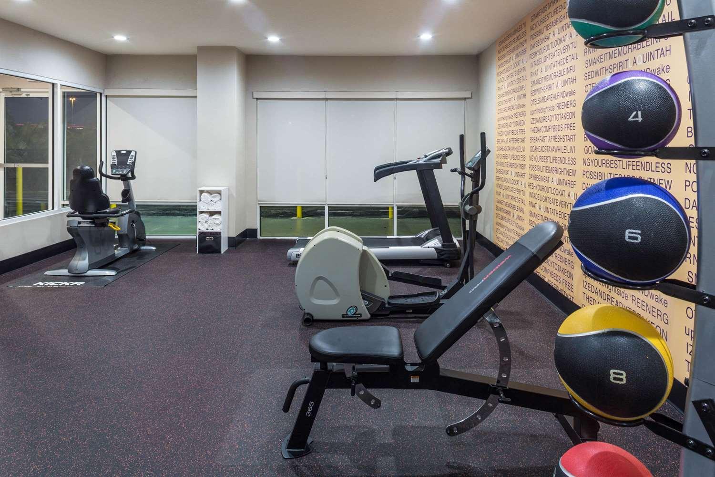 Fitness/ Exercise Room - La Quinta Inn Universal Studios Orlando